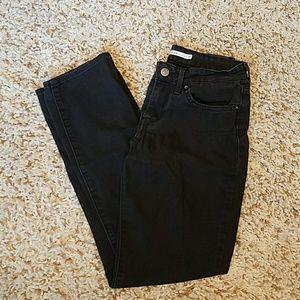 Black 712 Slim Levi's Pants